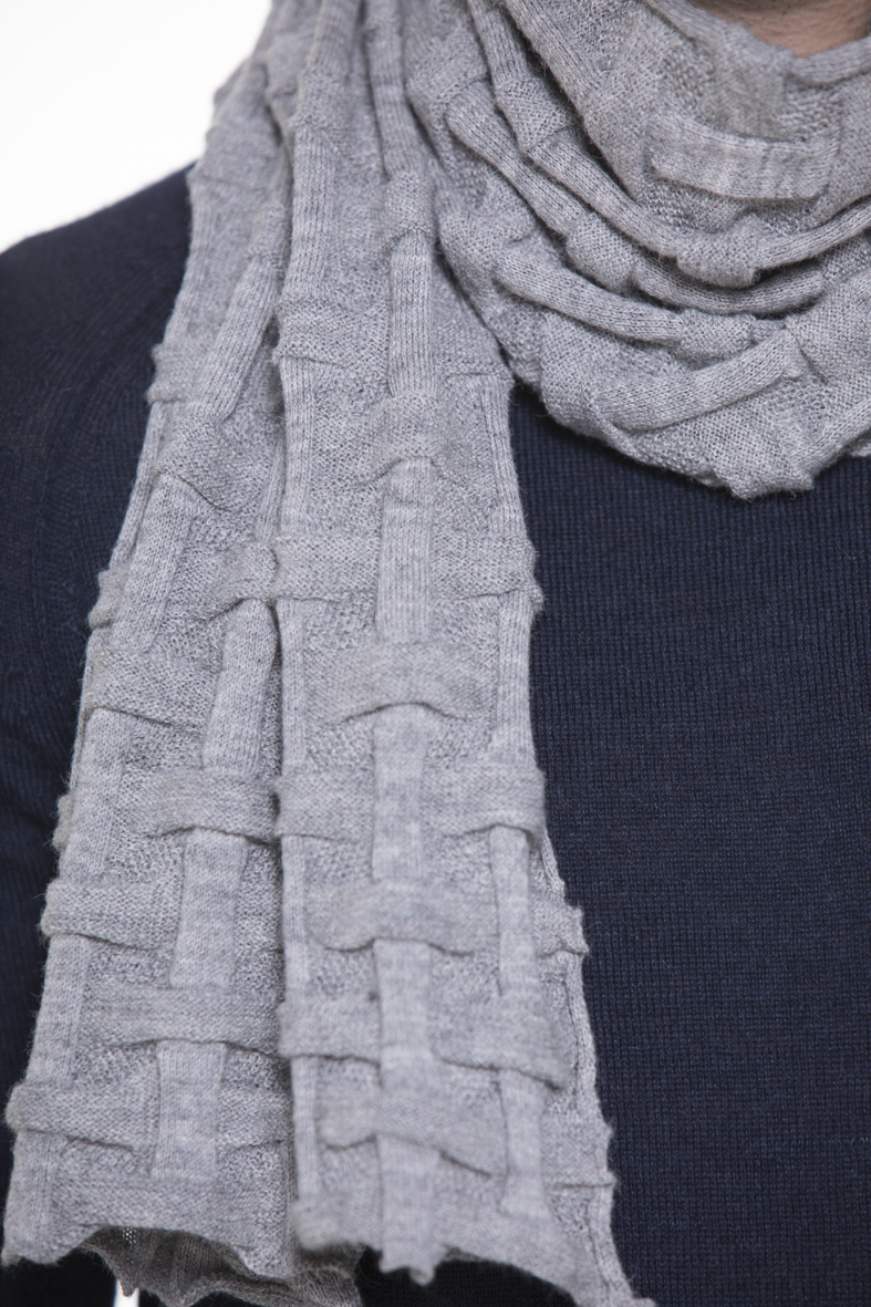 Tyler Unisex 100% Cashllama Light Grey Scarf